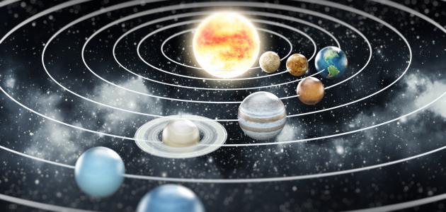 حركة الكواكب حول الشمس، وإلي أى قوانين فيزيائية تخضع ؟