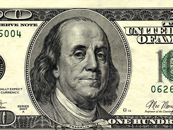 تعرف علي بنجامين فرانكلين الرجل الذى صورته تتوسط الدولار الأمريكى