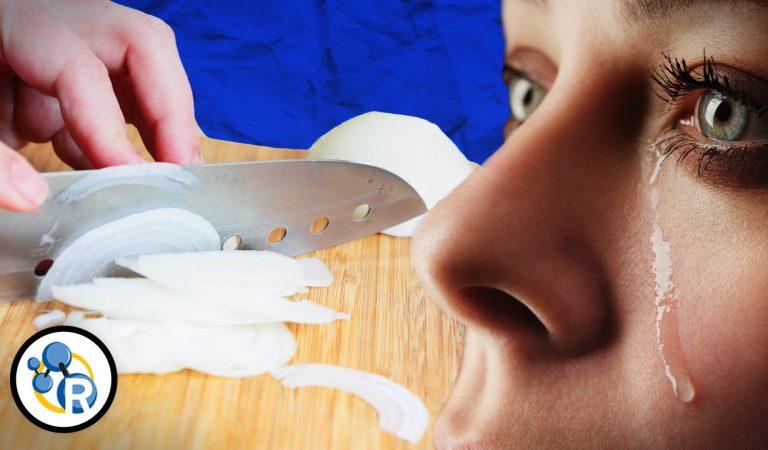 لماذا يسبب البصل حرقة العين ؟