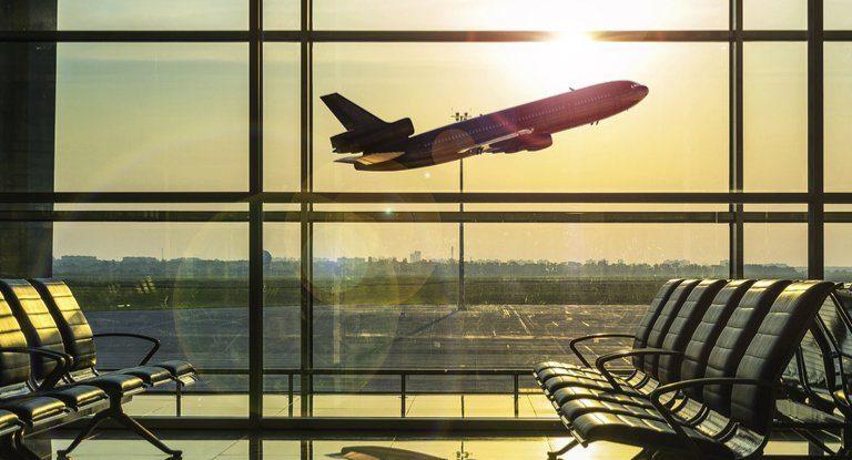 تغير المناخ بسبب الاحتباس الحراري من المتوقع أن يجعل رحلات الطيران أكثر صعوبة
