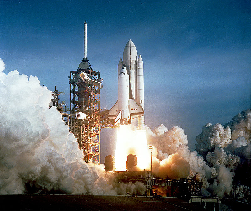 Space_Shuttle_Columbia_launching.jpg