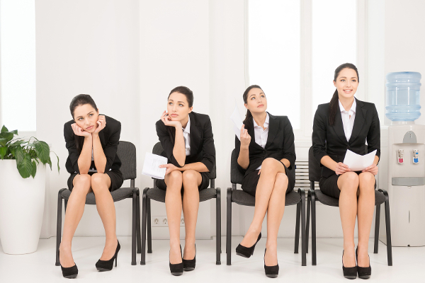 التواصل باستخدام لغة أجنبية يجعل قراراتك أقل عاطفية
