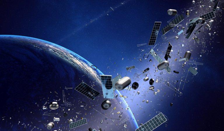 الحطام الفضائي لا يهدد من هم في الفضاء وحدهم , بل البشر على الأرض أيضا .