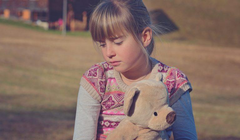 كيف ومتى تعتذر لطفلك؟ – بالعربي